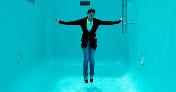 This Swimming Pool Actually Makes Breathing Underwater Possible